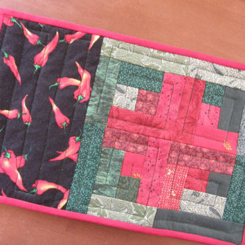 Quilted Mug Rug - Candle Mat - Log Cabin and Chili Peppers