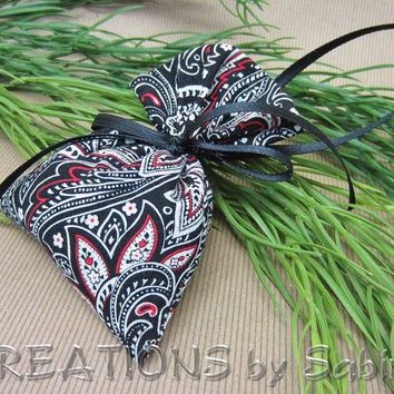 Lavender Sachet Small Gift Idea Thoughtful Scented Aromatherapy Soothing Spa Decoration Relaxing Lavendel Red Black White READY TO SHIP