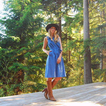 70s Chambray Overall Dress, Denim Dress, linen Pinafore Apron Dress with Pockets, Boho Country Western Prairie Dress, Blue Casual Dress