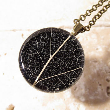 Skeleton Leaf of Salal Necklace, Leaf Jewelry, Plant Jewellery, Woodland, nature, rustic,
