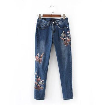 Woman Fashion Skinny Jeans Slim Floral Embroidered Jeans Women's Fashion Mid High Waist Flower Embroidery JeansKZ0093
