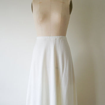 White Skirt. Vintage 70s Ivory Knit Skirt. High Waist Skirt. Semi Sheer Knee Midi Length Skirt. Medium / Large.