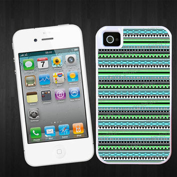 iPhone tough case - iPhone 5 plastic case, 2 piece rubber lining case - Green tribal aztec pattern ethnic