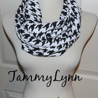 NEW!! Black and White Houndstooth Jersey Knit Infinity Women's Accessories