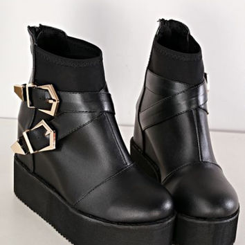 Metal buckles decorated pure color boots