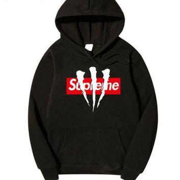 Popular logo combined sup& crown with a velvet hooded hoodie and a matching coat for men and women.