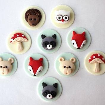 Woodlands fondant cupcake topper set. Forest cupcake topper. Forest fondant animals. Woodlands party set.