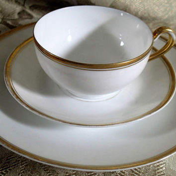 uncheon set, Antique China, 1910 Turin Bavariawhite porcelain, gold gilt rim, luncheon plates, cups and saucers, set of 5 + 1 extra plate