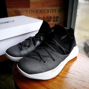Under Armour Curry 5 Black/white Basketball Shoe 40 46