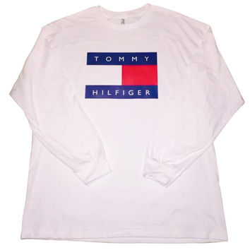 White Tommy Hilfiger Logo Long Sleeve T Shirt Vintage 90s Streetwear Fashion