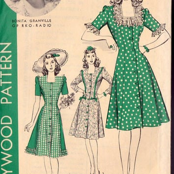 1940s Misses Princess Line Dress Vintage Sewing Pattern, Square Neckline, Hollywood 1102 bust 33""
