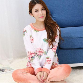 ICIKWJ7 2017 Spring Winter Anti Cold Keep Warm Women Flannel Pajamas Sets of Sleepcoat & Bottoms Lady Thermal Coral Fleece Nightwear