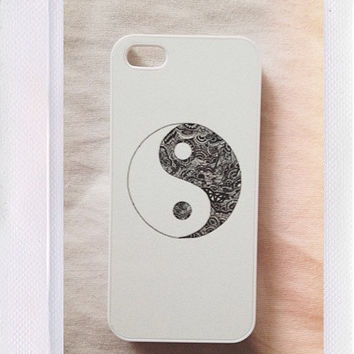 Black and White Ying Yang Sign Case by CasesbyOliviaRose on Etsy