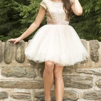 Short Sleeves Sequins Tulle Homecoming Dress