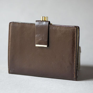 Women's purse dark brown vintage. Framed genuine leather purse 60s. Coin purse leather. Money holder very small very good condition wallet