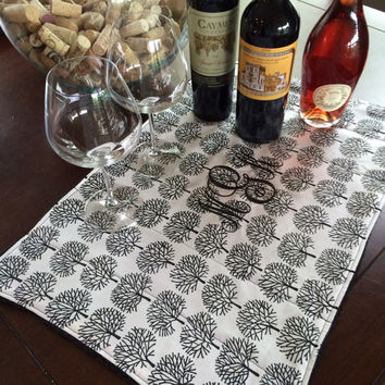 Unique Bar Cart Wedding Gift / Personalized Gift / Monogrammed Bar Mat / Wine Cocktails Liquor / Couples and Hostess Gift / Black & White