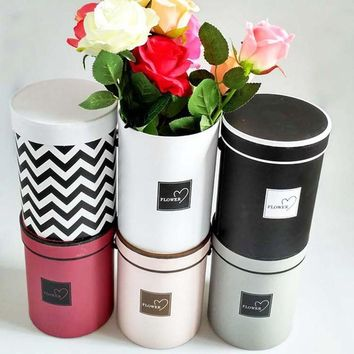 Wedding Handheld Flower Box Barrel Round Flower Paper Boxes with Lid Candy Chocolate Bucket Decoration Gift Packaging Box