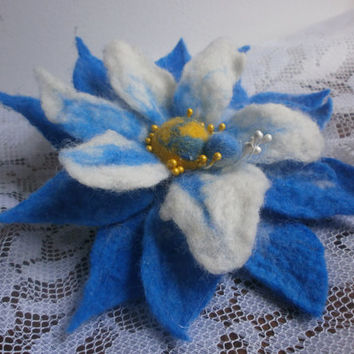 White blue felt flower brooch,felt flower,unique accessories,big flower brooch ,corsage brooch, blue jewelry,felt brooch flower pin,gift her