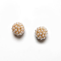 Have No Sphere! Pearl Stud Earrings