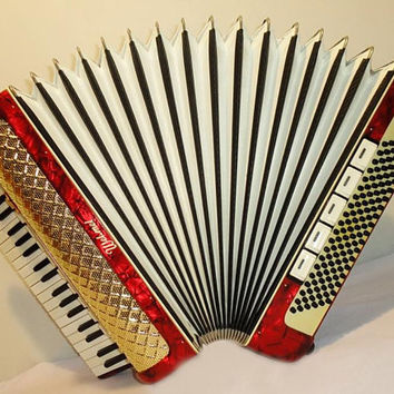 Weltmeister  Piano Accordion 120 bass 15 registers  Musical Instrument Accordian 187
