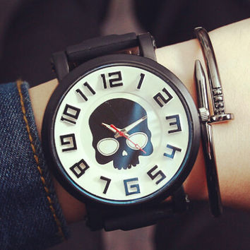 Mens Womens Retro Casual Cool 3D Skull Watch Gift 540