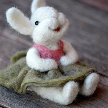 Needle Felted wool Bunny Rabbit  - needle felted animals - Bear Creek Bunnies