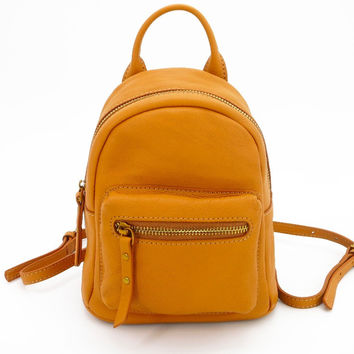 Simplicity Small Genuine Leather Lady Backpack Front Zipper Pocket Fashion Lady Backpack Camel