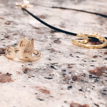 A Kitty Cat Ring in Gold