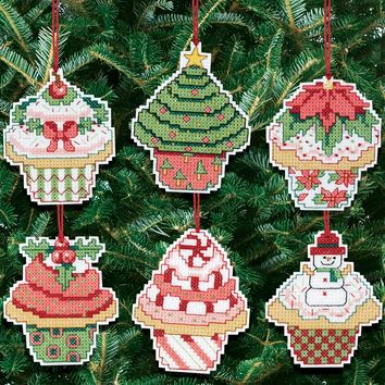 "Christmas Cupcake Ornaments Counted Cross Stitch Kit 3""X3"" 14 Count Set Of 6"