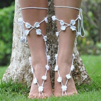Pair of Graceful Hollow Out Flower Anklets For Women - White