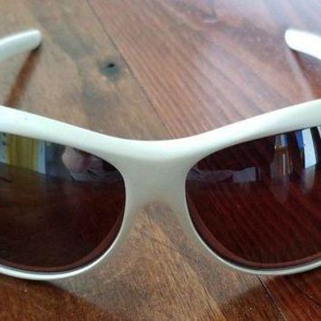 MDIGS MAUI JIM PROTECTIVE WHITE SUNGLASSES
