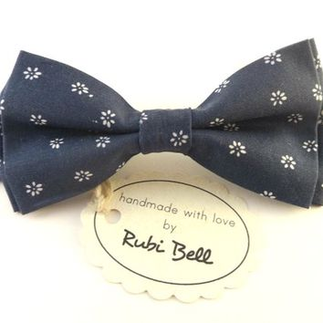 Bow Tie - blue bow tie - wedding bow tie - blue bow tie with white flower pattern -man bow tie - men bow tie - gifts for him - floral bowtie