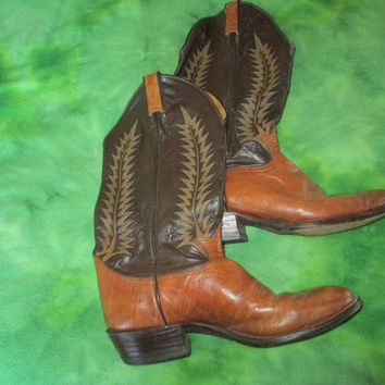 Tony Lama Leather Cowboy Boots made in El Paso Texas  - Soft Leather & Broken in - Beautiful Design - Says SIze 11 - Fits More like 10 1/2