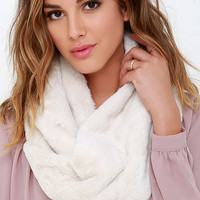 Big Softy Ivory Faux Fur Infinity Scarf