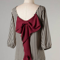 All Wrapped Up Top -- Houndstooth