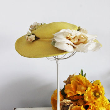 Vintage 1940s Yellow Wide Brimmed Straw Hat With Millinery Flowers