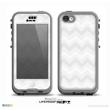 The Faded White Zigzag Chevron Pattern Skin for the iPhone 5c nüüd LifeProof Case