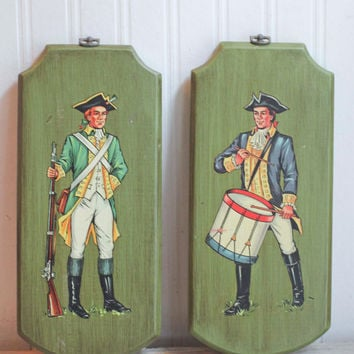 Revolutionary War Soldier Plaque - Vintage Patriotic Decor