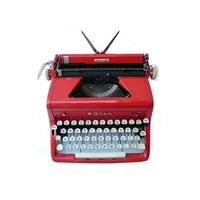 Sparkling 1950s Royal Quiet Deluxe Portable Manual Typewriter w/ Case and Key.   VandM.com