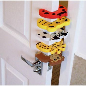 2pcs Baby Child Proofing Door Stoppers Finger Safety Guard Random Holder Lock Safety Guard Finger Protect Toy For Baby Born