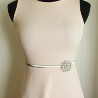 Black Friday Deal New Woman's stretch silver metal flower leaf circle belt one-size fit all