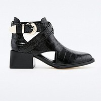 Senso Malika Cut-Out Boots in Black - Urban Outfitters