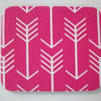Mouse Pad mousepad / Mat - round or rectangle - pink white arrows - Computer Accessories decor Desk Coworker Gifts Office cubical