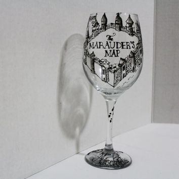 Marauder's Map Harry Potter Wine Glass with Mischief Managed on base