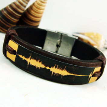 FREE SHIPPING - Sound waves bracelet. Personalized Bracelet, Wedding anniversary gift. Voice recording. Genuine Leather with Aluminium Plate