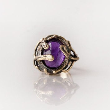 Large amethyst deep purple quartz 25 carat cabochon antique gold witch ring bulky boho gypsy- solid yellow bronze