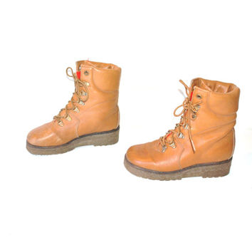 size 6.5 RETRO hiking boots / ICONIC 1970s hunting boots / vintage caramel leather FLEECE lined winter boots