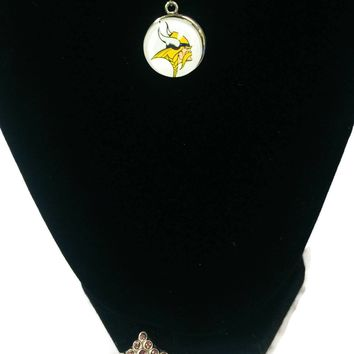 NFL Fashion Snap Jewelry Minnesota Vikings Logo Necklace Set With 2 Charms For Football Fans
