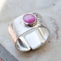 Sterling silver bezel set ring, Adjustable silver ring, Boho ring, Romantic ring with pink cat eye stone, Sterling silver, Wide band ring.
