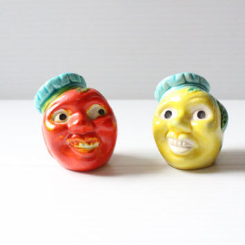 TOMATO and LEMON KITSCH Salt and Pepper Shaker Vintage Ceramic Kitchenware